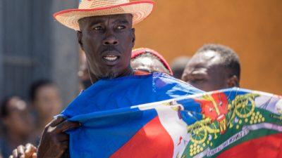 Четыре «предполагаемых убийцы» президента Гаити застрелены полицией, ещё двое захвачены