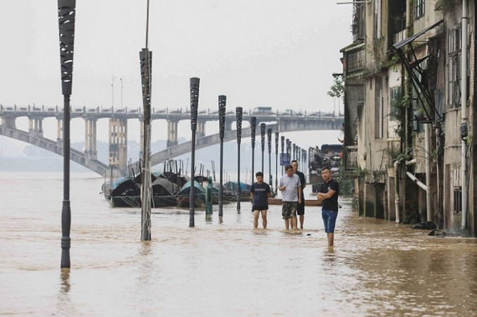 Во время празднования своего 100-летия КПК запретила СМИ сообщать о наводнениях