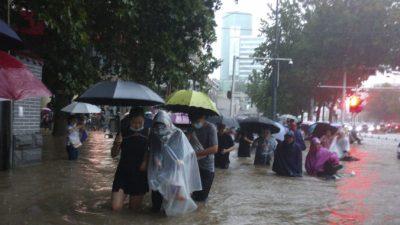Наводнения в Центральном Китае: не меньше 20 человек погибли и 120 тыс. эвакуировались