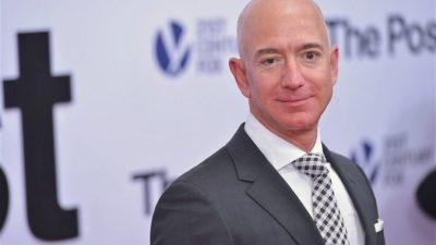 Основатель Amazon предложил 82-летней пенсионерке лететь с ним в космос