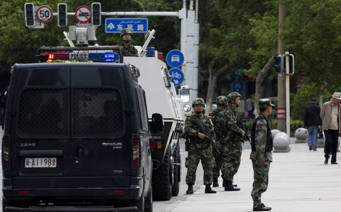 Правозащитники: 100 000 китайских солдат направлены в Синьцзян