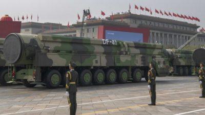 Эксперты: СиЦзиньпин мобилизует Китай на войну сиспользованием ядерного оружия