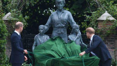 Британские принцы открыли памятник принцессе Диане