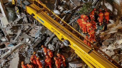 Число жертв обрушения гостиницы в Китае выросло до 17 человек
