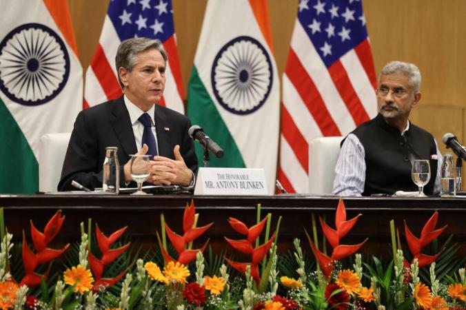 Министр иностранных дел Индии Субраманьям Джайшанкар (справа) и госсекретарь США Энтони Блинкен проводят совместную пресс-конференцию в Джавахарлале Неру Бхаван в Нью-Дели 28 июля 2021 года. (Jonathan Ernst/POOL/AFP via Getty Images) | Epoch Times Россия