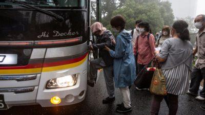 В Японии около 75 тыс. жителей готовятся к эвакуации