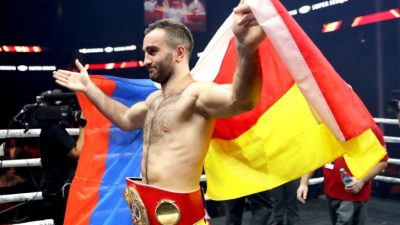 Боксёр Мурат Гассиев завоевал титул чемпиона Азии в супертяжелом весе