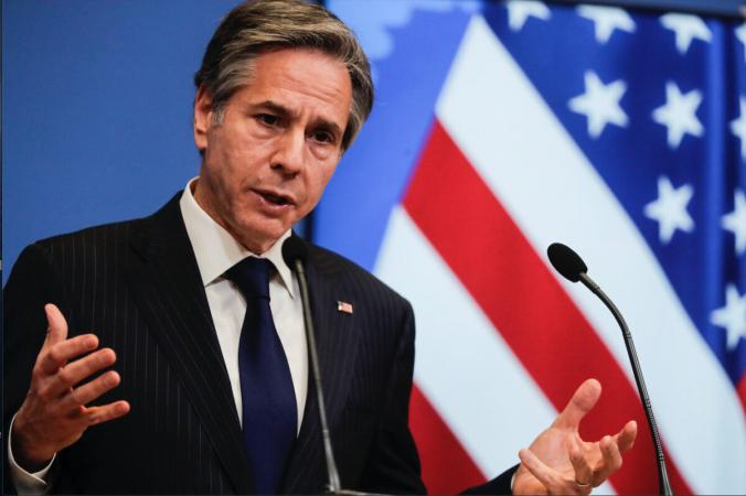 Госсекретарь США Энтони Блинкен выступает на пресс-конференции в конце встречи министров иностранных дел НАТО в штаб-квартире НАТО в Брюсселе в среду, 24 марта 2021 г.  (Olivier Hoslet, /Pool Photo via AP) | Epoch Times Россия