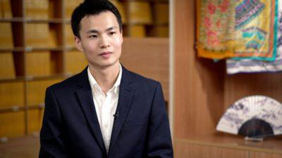 В Китае его ожидали репрессии. Сейчас он танцор Shen Yun Performing Arts
