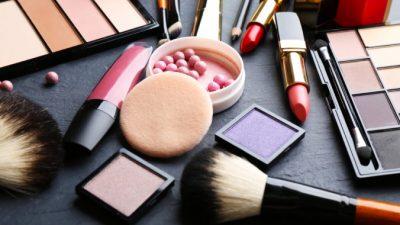 Почти половина косметики США содержит токсичный химикат