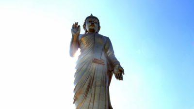 Возмездие за надругательство над Буддой. Три истории