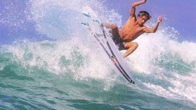 Илай Ханнеман — восходящая звезда в сёрфинге