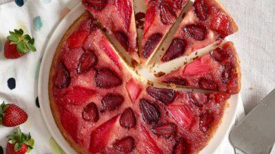 Как сделать перевёрнутый пирог с фруктами