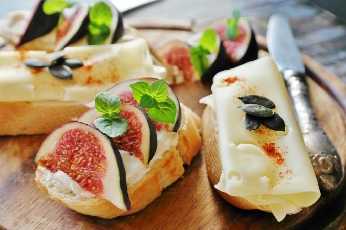 Самые простые и вкусные рецепты с сыром: грузинская ачма и жареный камамбер
