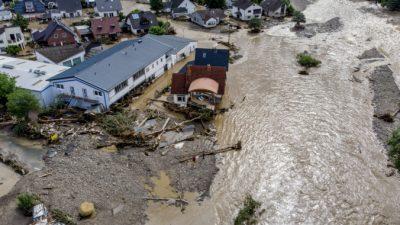 Более 60 погибших и десятки пропавших в результате сильных наводнений в Европе
