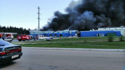 Пожар на птицефабрике в Бийске охватил 2,5 тыс. кв. м.