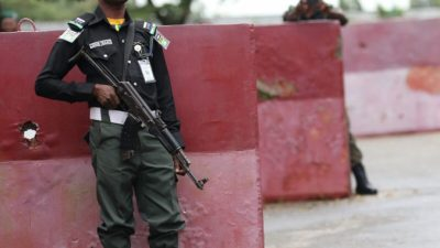 Боевики убили генерала нигерийской армии на шоссе