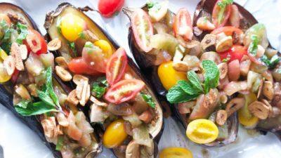 Жареные баклажаны с помидорами и мятой