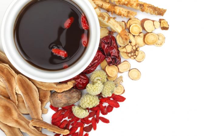 Лекарственные растения использовались в Китае на протяжении тысячелетий, многие из представленных здесь используются в напитке «Восемь сокровищ». (Shutterstock.com *)   Epoch Times Россия