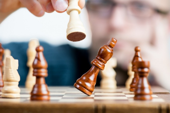 the strategy win champion the championship the winner of the prevx chess game 1056740 676x450 1 - На Кубке мира по шахматам игроку пришёл положительный ПЦР- тест. Его объявили проигравшим