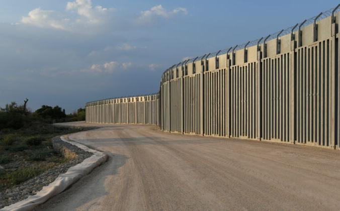 Вид на стальную пограничную стену между Грецией и Турцией в Александруполисе, Греция, 10 августа 2021 г. Alexandros Avramidis / Reuters | Epoch Times Россия