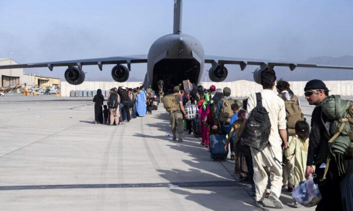 США: 1500 американцев остаются в Афганистане, 4500 эвакуированы