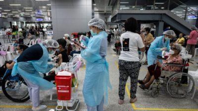Провал «вакцинной дипломатии»: страны отказываются от китайских вакцин против COVID-19