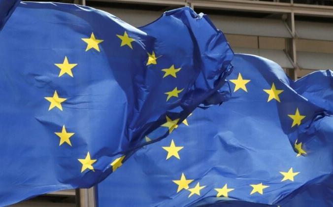 Флаги Европейского Союза развеваются у штаб-квартиры Комиссии ЕС в Брюсселе, Бельгия, 5 мая 2021 г. Yves Herman / Reuters   Epoch Times Россия