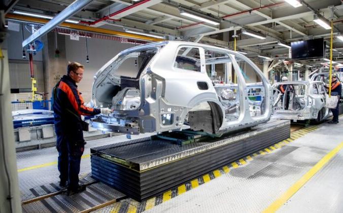 Вид изнутри завода Volvo Cars в Торсланде, Гётеборг, Швеция, 17 апреля 2020 г. Adam Ihse/TT News Agency/via Reuters/File photo | Epoch Times Россия