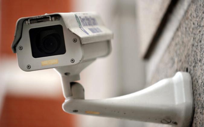 Камера видеонаблюдения на стене здания в центре Лондона на недатированной файловой фотографии. Clive Gee/PA | Epoch Times Россия