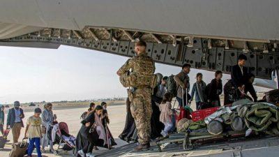 Британский офицер: Талибы не препятствуют эвакуации