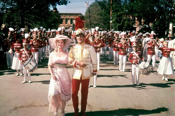 Звёзды Ширли Джонс, Роберта Престона и 76 тромбонов в первой киноверсии «Музыканта» Мередит Уилсон. (Warner Bros.)   Epoch Times Россия