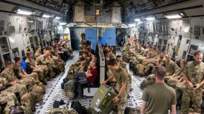 Великобритания будет эвакуировать сотни людей ежедневно изАфганистана