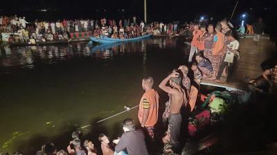 Пассажирское судно затонуло в Бангладеш, 22 погибших