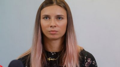 Кристина Тимановская говорит, что бабушка не велела ей возвращаться в Беларусь, опасаясь репрессий