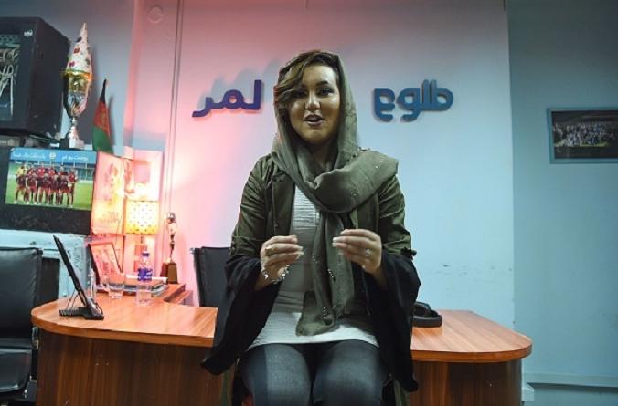 Афганская певица Захра Эльхам, завоевав первое место на телевизионном музыкальном конкурсе Afghan Star, сказала в 2019 году, что она победит талибов с помощью музыки. Photo WAKIL KOHSAR/AFP via Getty Images.   Epoch Times Россия