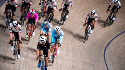 Бывший курьер «Яндекс.Еды» стал золотым призёром по велоспорту на Паралимпиаде в Токио