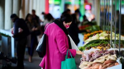 40% россиян испытывают нехватку денег на покупку необходимых продуктов