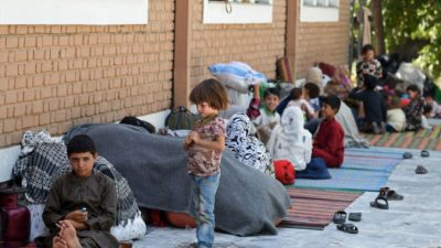 Великобритания примет 20 тысяч афганских беженцев ипризывает следовать еёпримеру