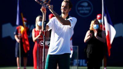 Медведев выиграл турнир «Мастерс» в Торонто: «Ему сложно помешать»