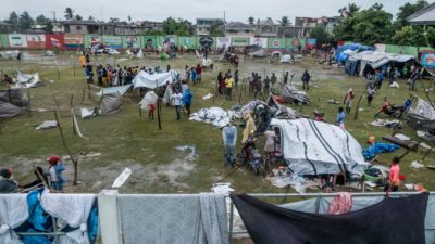 Число жертв землетрясения на Гаити приблизилось к 2 тысячам