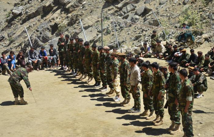 Представители афганского сопротивления принимают участие в военных учениях в районе Абдулла Хил округа Дара в провинции Панджшер 24 августа 2021 года.AHMAD SAHEL ARMAN/AFP via Getty Images   Epoch Times Россия