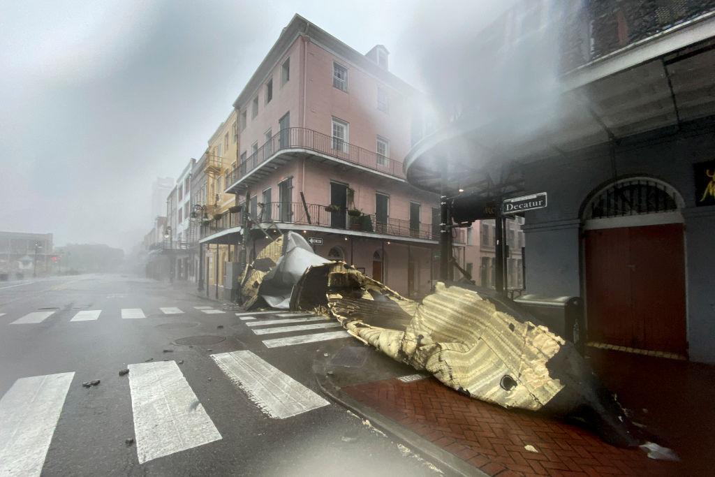 Ураган «Ида» в США: ветер 240 км/ч, река Миссисипи течёт вспять