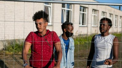 Польша задержала  рекордное количество нелегальных мигрантов на границе с Беларусью