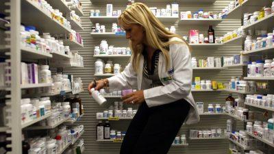 После инфаркта или инсульта россияне будут получать бесплатные лекарства два года