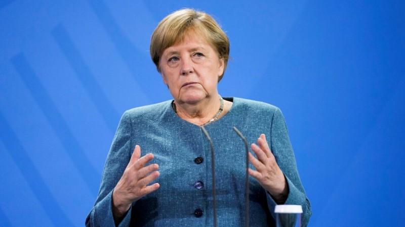 Канцлер Германии Ангела Меркель на пресс-конференции с канцлером Австрии Себастьяном Курцем перед встречей в канцелярии в Берлине, Германия, 31 августа 2021 г. (Markus Schreiber/Pool via Reuters)    Epoch Times Россия