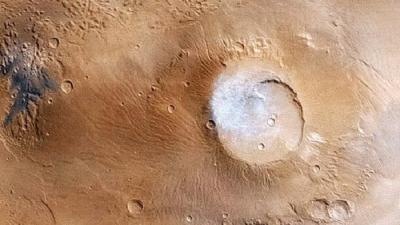 Глины, а не вода, скорее всего, являются источником «озёр» на Марсе