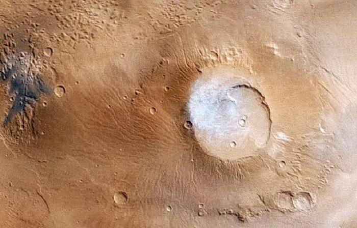 Аполлинарис Патера, Марс. (Изображение: НАСА / Лаборатория реактивного движения / MSSS)  | Epoch Times Россия