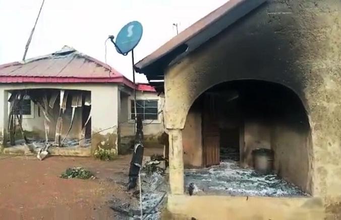 Скриншот с видео сгоревшего детского дома в штате Плато, Нигерия, 3 августа 2021 г. (Courtesy of Joshua Dickson)   Epoch Times Россия