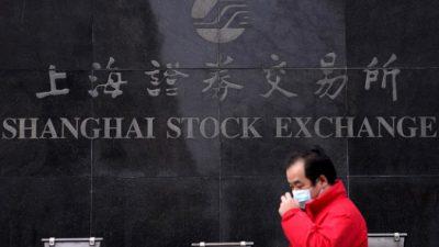 Вмешательство политиков отразилось на фондовом рынке Китая
